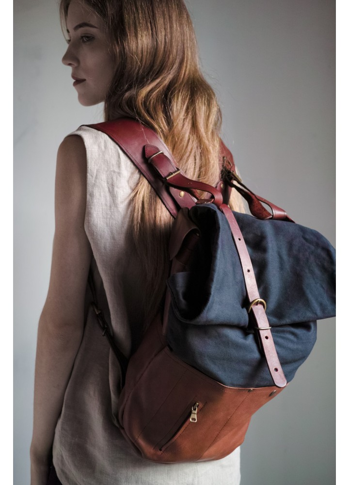 Холщовый рюкзак-скрутка с деталями из натуральной кожи